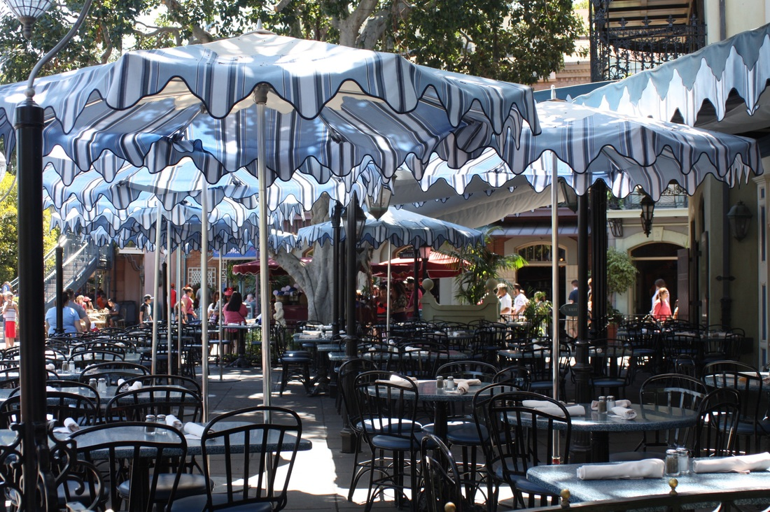 Review of Cafe Orleans located in Disneyland. Includes pictures and reviews of menu items.