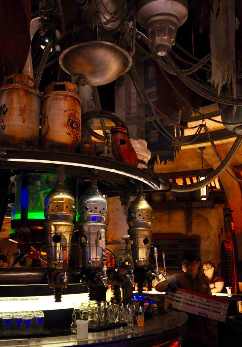 How to Make Reservations at Oga's Cantina at Disneyland