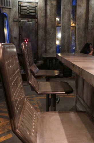 Docking Bay 7 Food and Cargo- Galaxy's Edge - Review